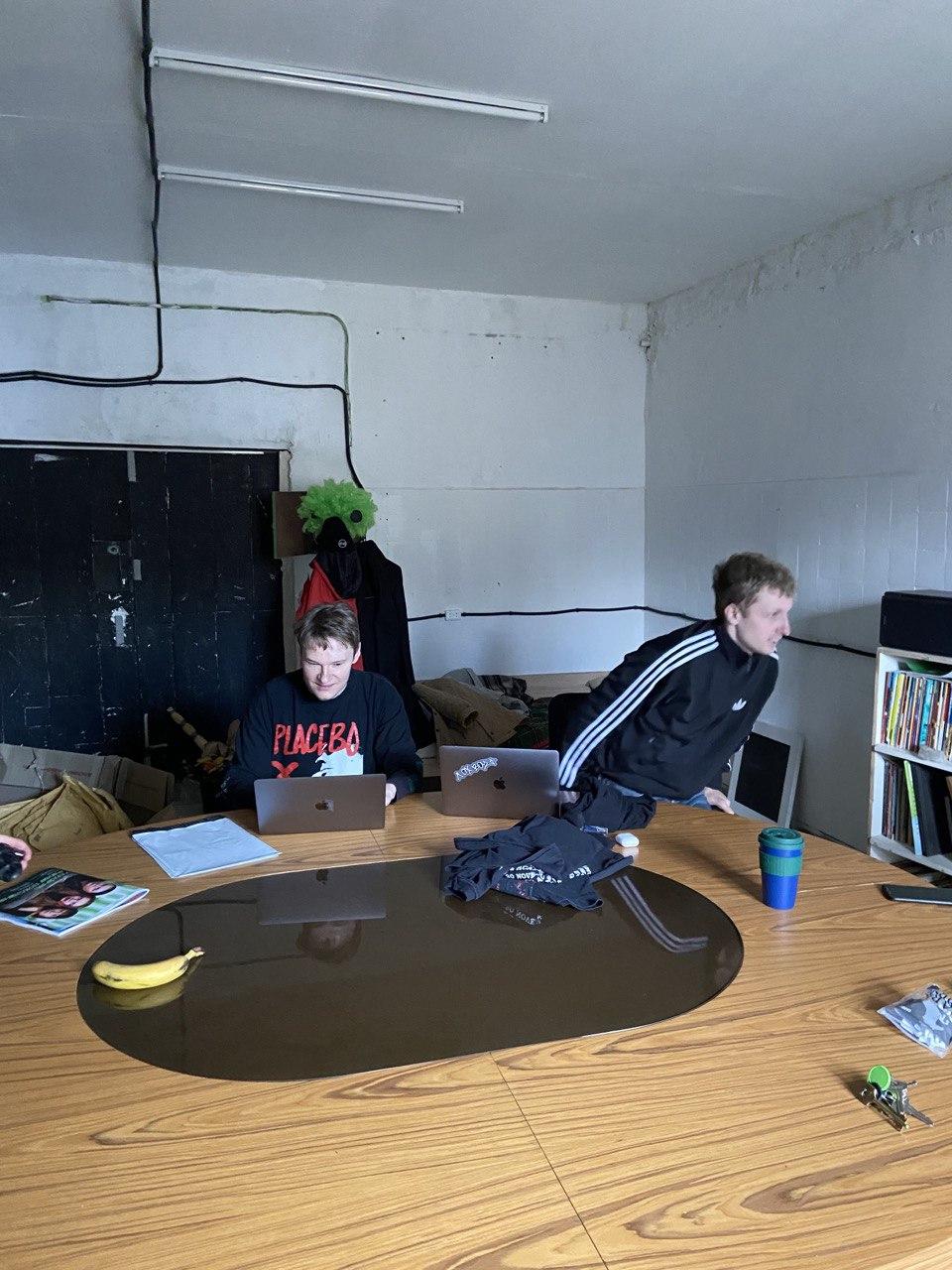 Олесь та Влад в офісі «ПОТОПу»