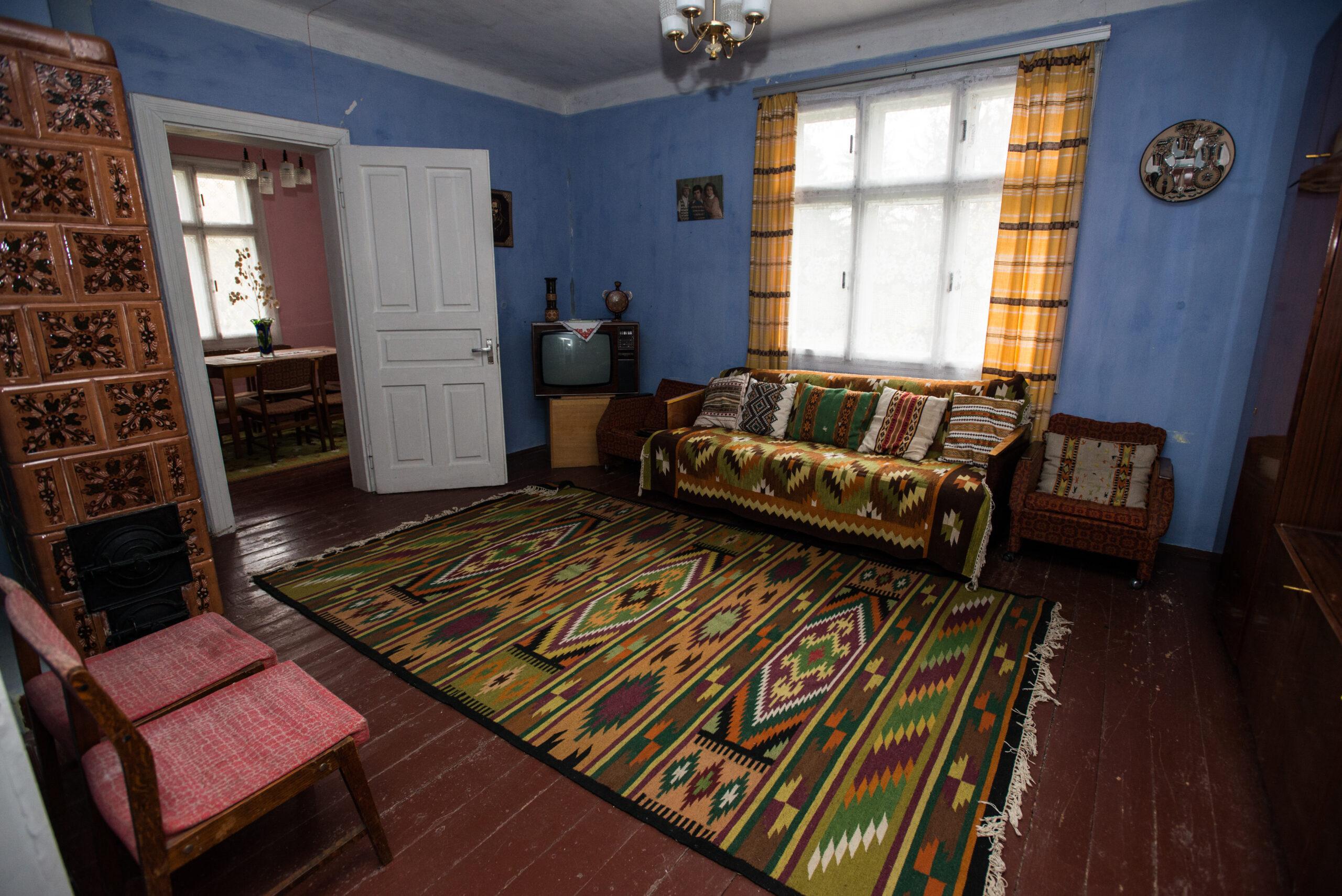 Вітальня в будинку Івано-Франківської області. Фото: Наталка Дяченко