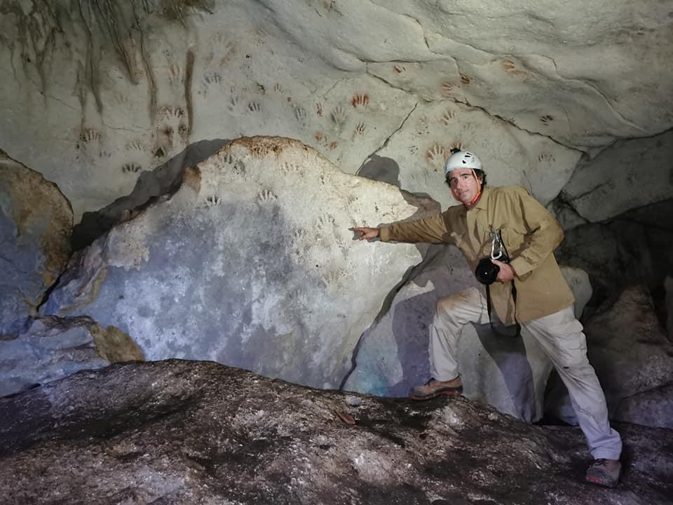 У печері Мая знайшли відбитки рук дітей
