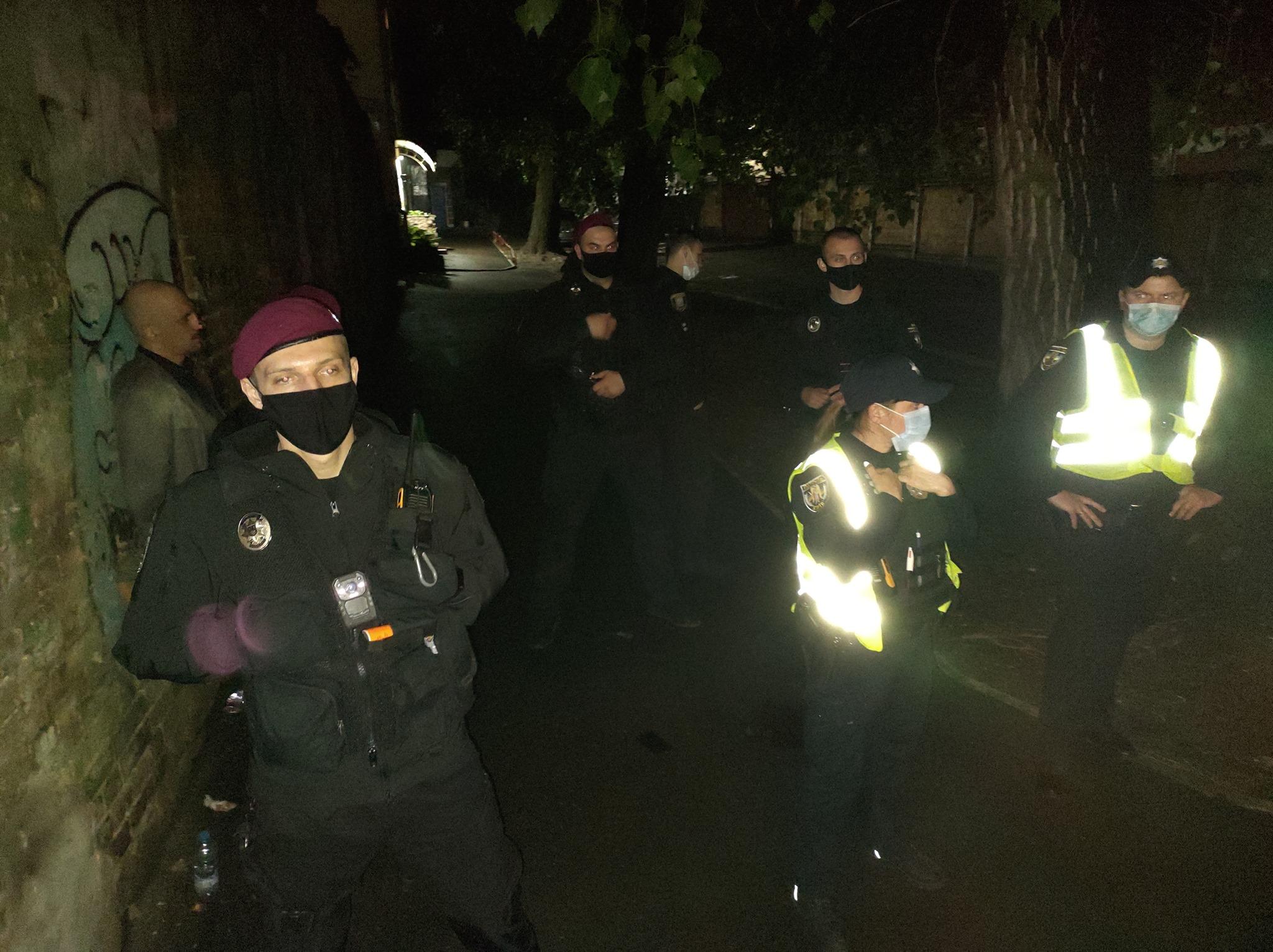 У Києві правоохоронці побили художника Мітю Бугайчука