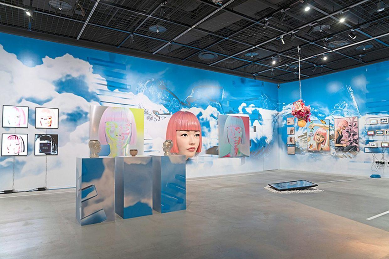 Робоарт: у Токіо відкрили виставку, присвячену віртуальній моделі Іммі