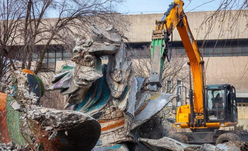 У Дніпрі шукають власника скульптури «Палаючий метеор»