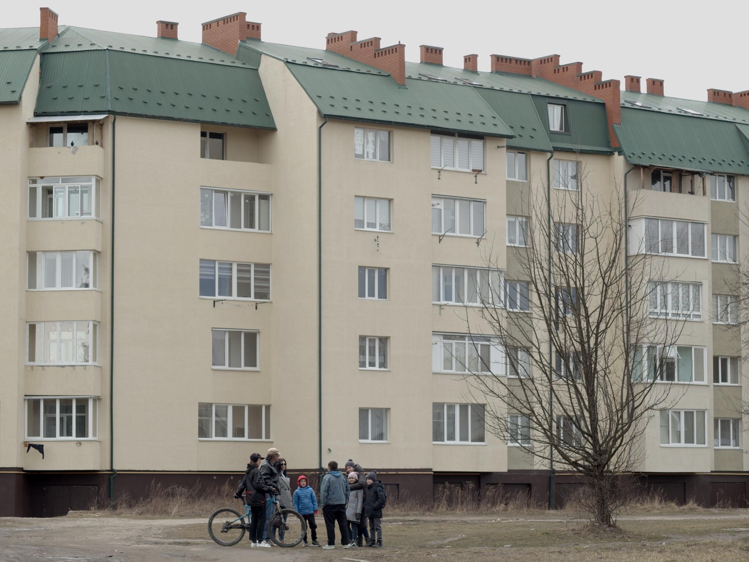 Нове місто в пошуках сакрального простору: про виставку Яреми Малащука та Романа Хімея