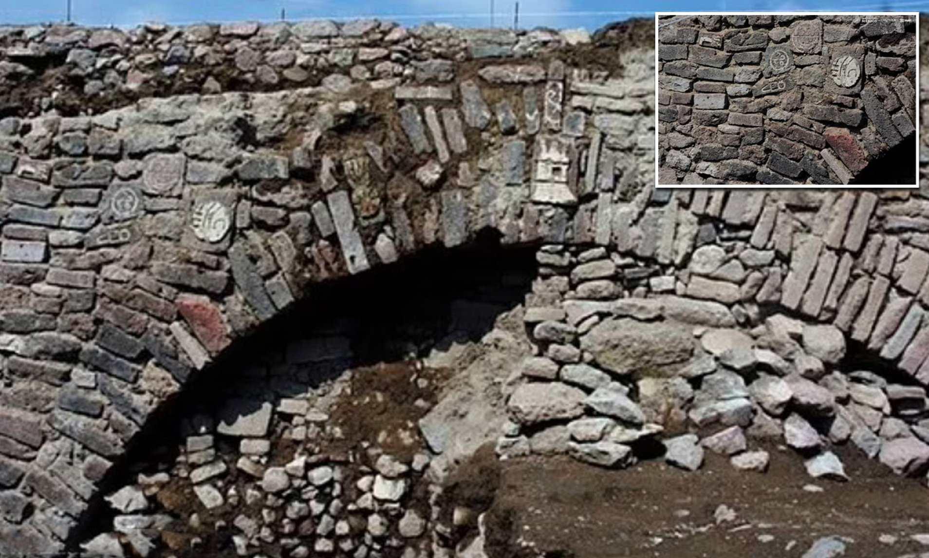 У Мексиці археологи виявили незвичайний тунель, який тепер закопають назад