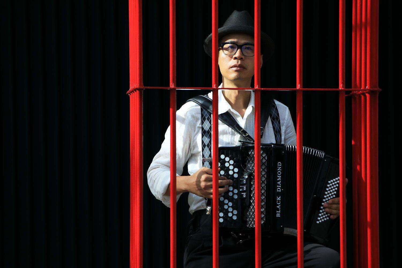 Китайський художник втік з Гонконгу через переслідування влади