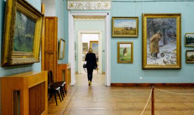 Культурні діячі звернулися до президента з проханням надати Одеському художньому статус національного