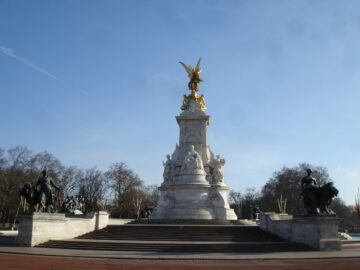 У Лондоні пам'ятників тваринам у два рази більше ніж жінкам